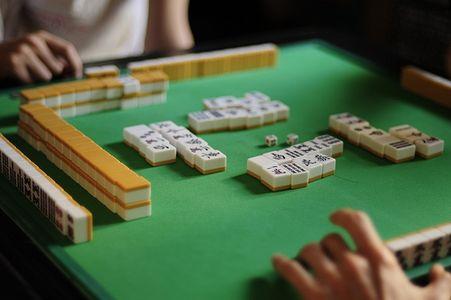 Mahjongg tradicional sendo jogado